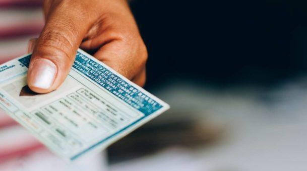 Comment récupérer sa carte grise après suspension de permis ?