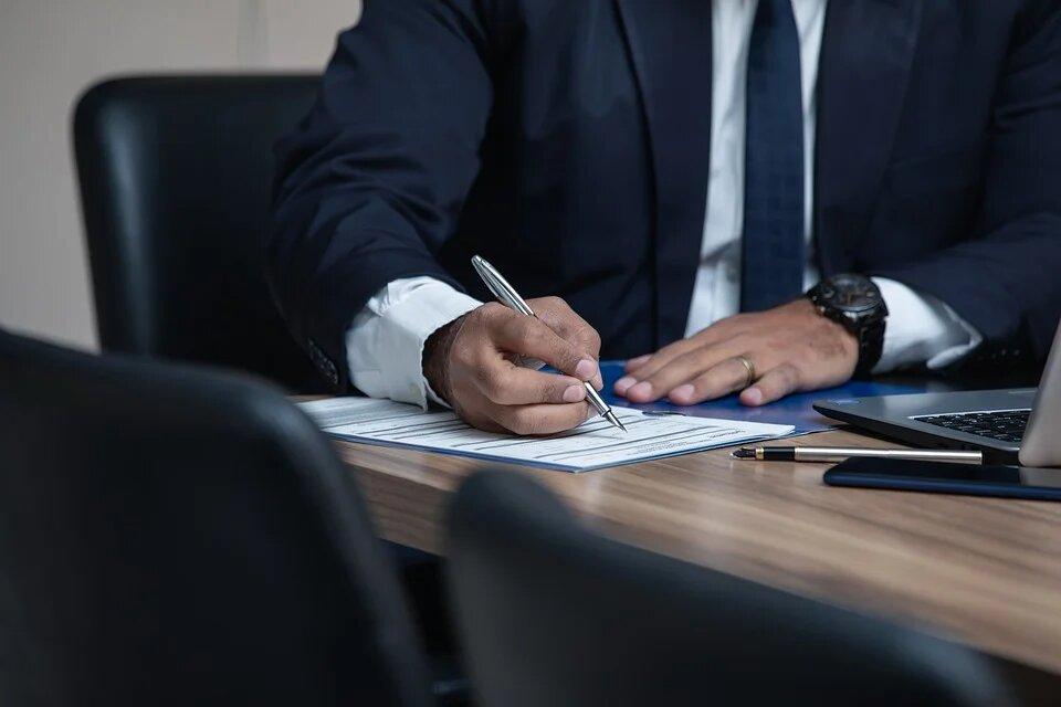 Quels sont les cursus de master disponibles dans une école de droit?
